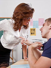 Office Babe, Veronica Avluv