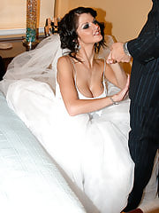 Newlywed Joslyn gets freaky on her wedding night and lets her husband stick it in her ass for the first time.