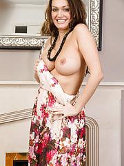 32 + Amber Jayne